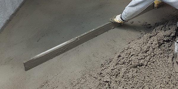 Einbau von Zementestrich